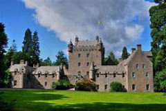 Cawdor-Castle-Inverness-Scotland.png
